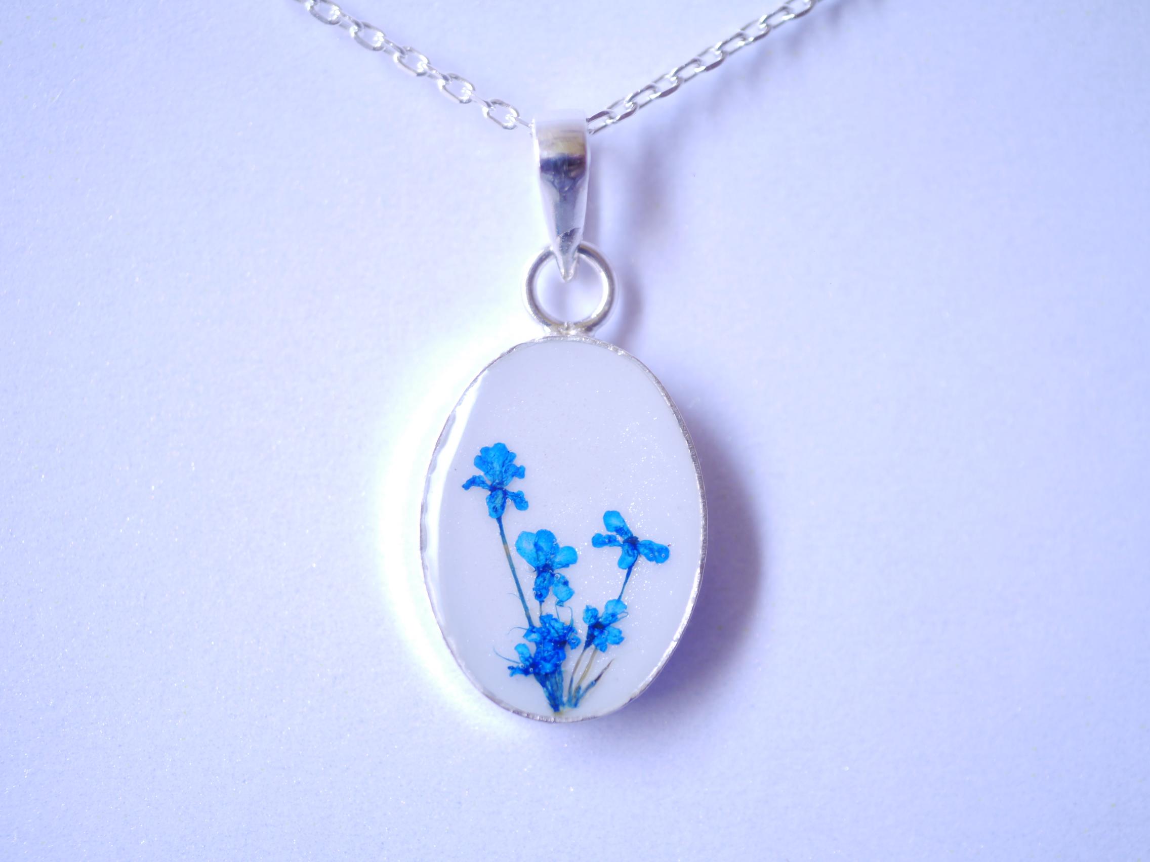 ネックレス 青 花