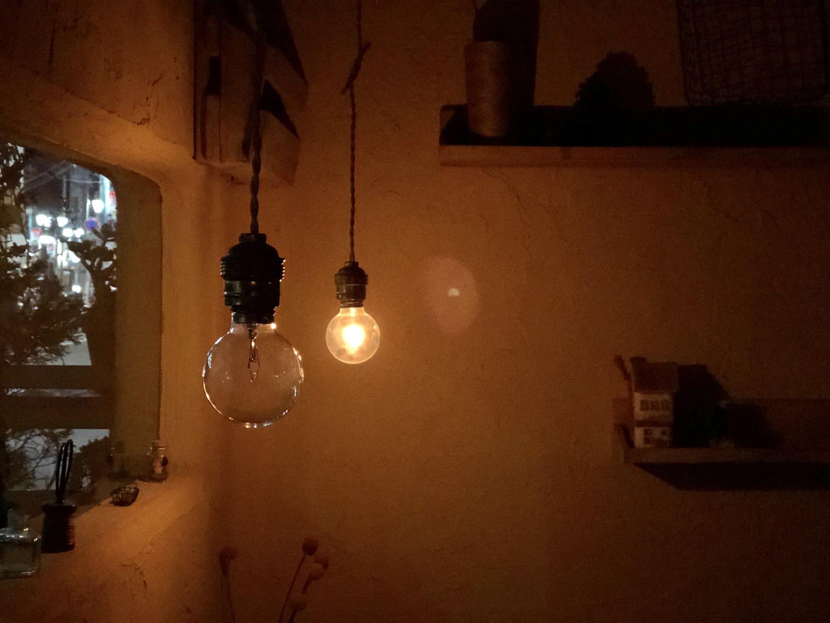 電球 カフェ
