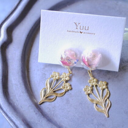 yuu*さんのレジンと花パーツのイヤリング