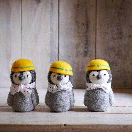 dorarokoさんの工事中のペンギンさんたち正面3匹