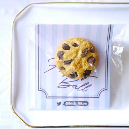 HAPPY BALLさんのチョコチップクッキーのスイーツのブローチ